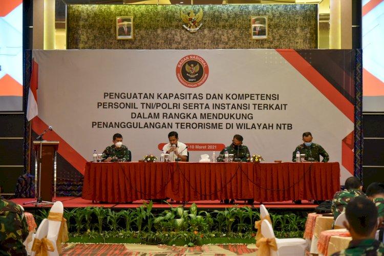 BNPT Gelar Seminar Penguatan Kapasitas dan Kompetensi Personil TNI/POLRI serta Instansi Terkait